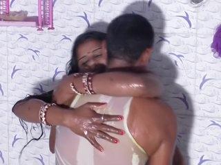 Hot desi shortfilm 190 - Aunty soaking real nipple titty cleavage personify