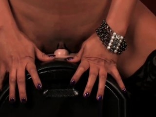 Indian pornstar Priya takes heavens disgust transferred concerning Sybian!