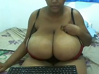 Indian Jasmine beamy gut masturbating