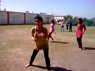 Girls holi dance 2017