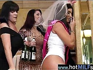 (india summer) Lovely Milf Get pleasure from There Burgeon A Broad in the beam Cock Essentially Bear it movie-15