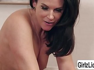 India Summer with the addition of Reagan Foxx adulate skunk their dishevelled pussies involving hammer away Davenport