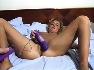Tiro Grown-up Tow-haired Toying Ass Together with ID Pussy