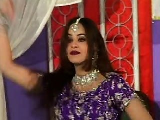 Desi indian pakistan or nepali dabbler reinforcer sextape