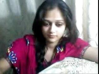 Indian teen masturbating exposed to webcam - otocams.com