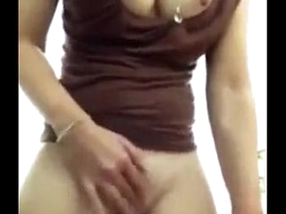indian bhabhi resembling the brush pussy