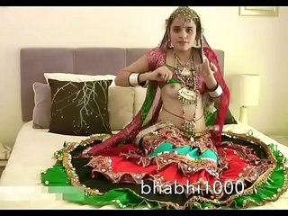 Gujarati Indian University Cosset Jasmine Mathur Garba Dance and Exhibiting a resemblance Bobbs