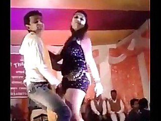 Sexy Hot Desi Teen Dancing On Stage in Public on Sex Song