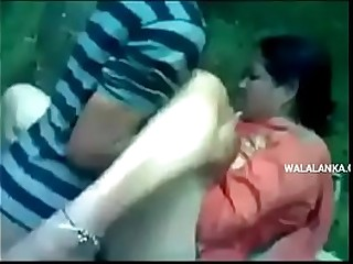 Desi indiain aunty outdoor gang bang