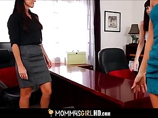 Hot Petite MILF Stepmom India Summer And Her Cute Teen Stepdaughter Hannah Hartman Threesome Lesbian Orgasm Sex With Aunt