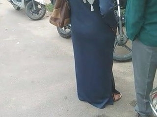 Desi burqha hot up gaand captured concerning bustop