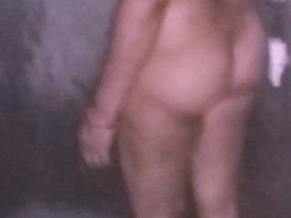 Desi housewife chubby aas neked take a shower