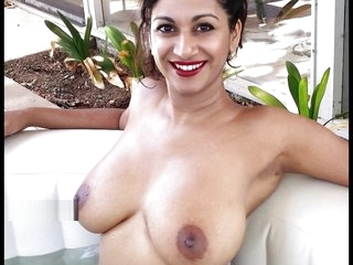 Hottest Indian Oomph Model in the air upper case knockers
